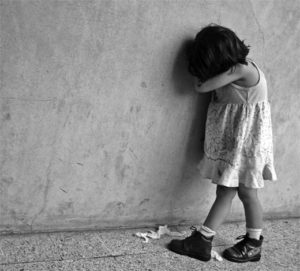 baby-depresion-dress-girl-sad-Favim.com-346343